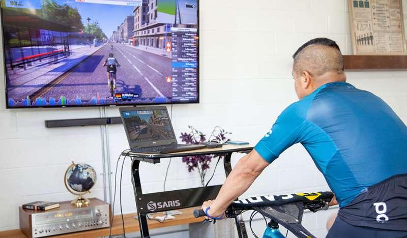 Ako na Zwift s klasickým (nie Smart) cyklotrenažérom